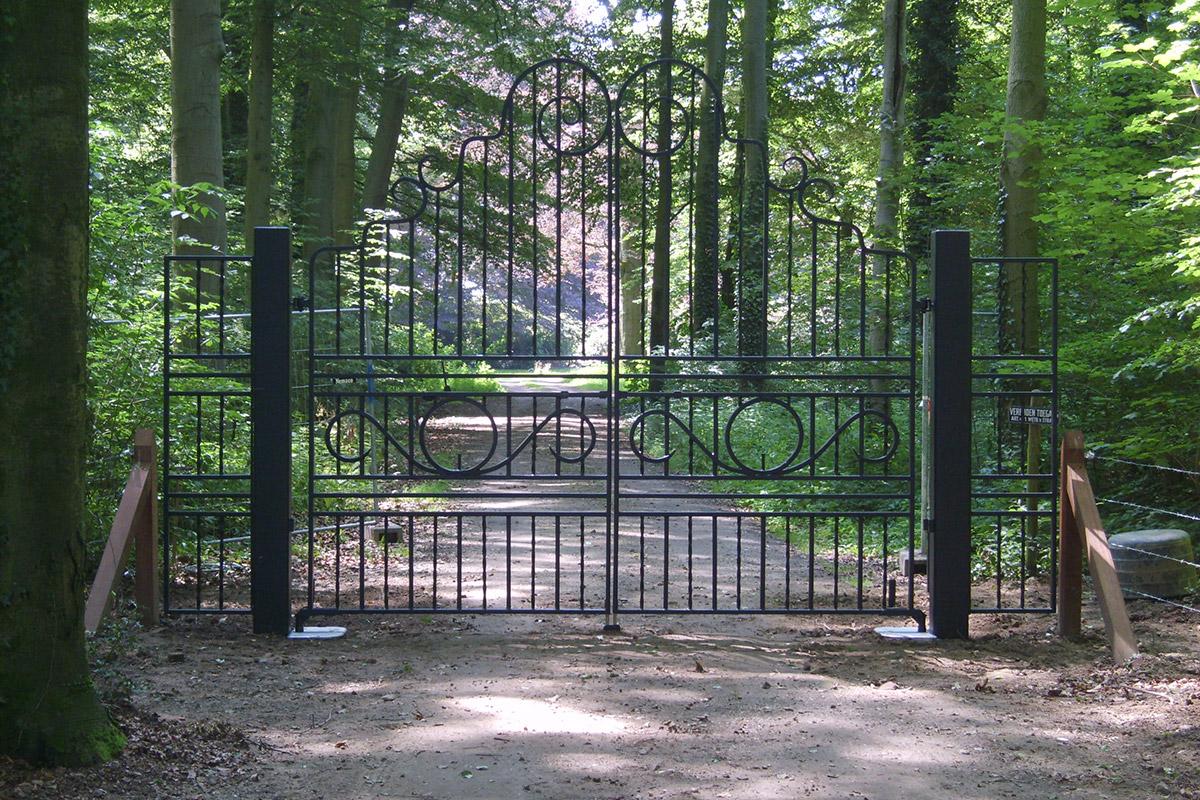 Gesmeden poort